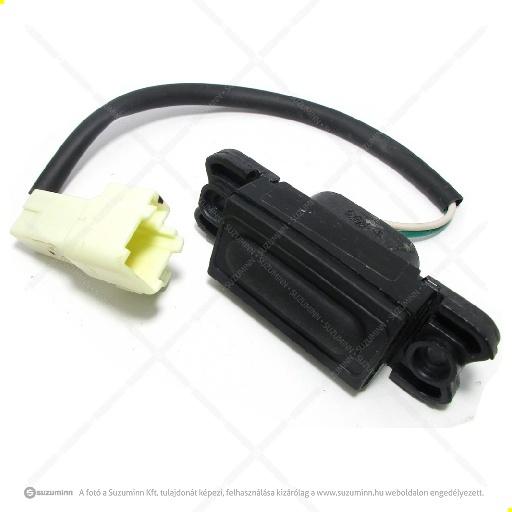 kapcsolók / vezérlők, jeladók / Suzuki Swift csomagtér ajtó nyitó kapcsoló